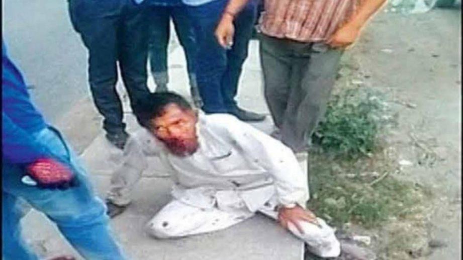 PEHLU Khan dipukul pelampau Hindu kerana dituduh membawa lembu untuk disembelih.