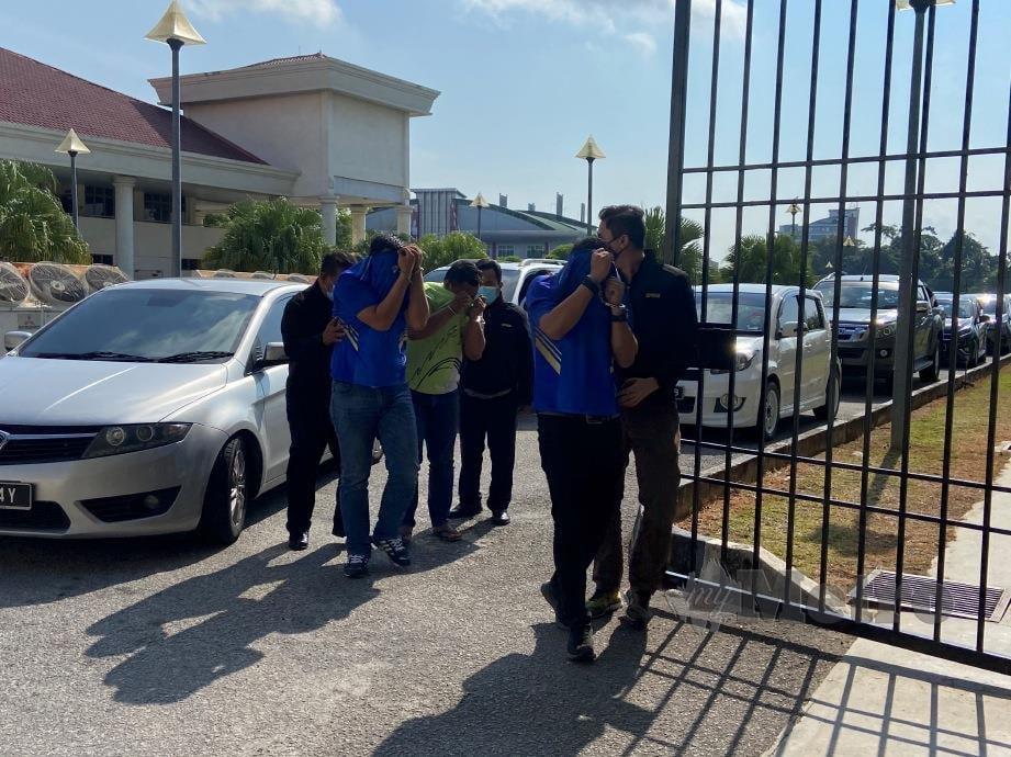 PEGAWAI polis berpangkat Inspektor dan dua Koperal direman tujuh hari di Mahkamah Alor Setar bermula hari ini. FOTO Hifzuddin Ikhsan