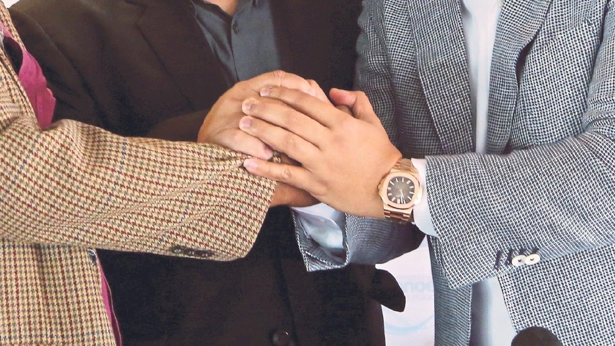 MENJAGA hubungan baik sesama manusia adalah suatu kewajipan.