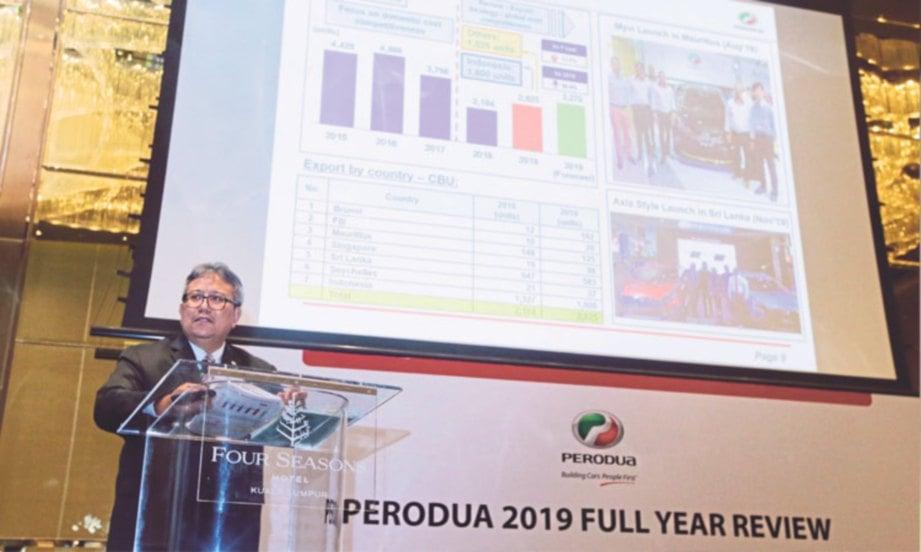 ZAINAL Abidin membentangkan  kajian penuh Perodua untuk  2019, semalam.