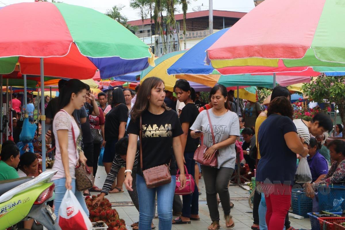 SEKITAR Pasar Teresang.