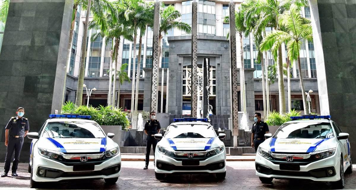 MODEL Honda Civic 1.8S diserahkan kepada Kementerian Perdagangan Dalam Negeri dan Hal Ehwal Pengguna (KPDNHEP) bagi kegunaan tugasan dan penguatkuasaan.