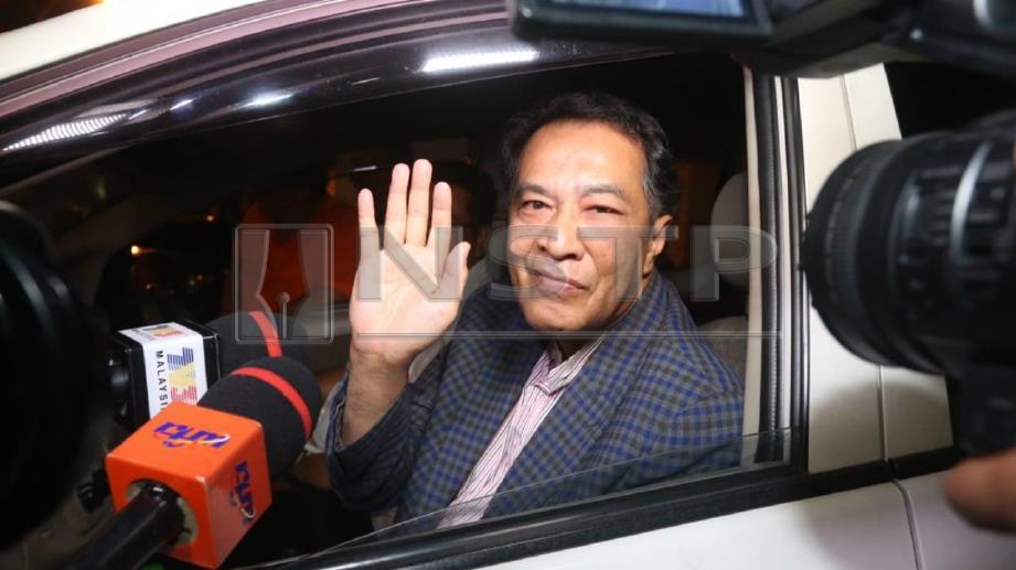 Husam keluar dari pejabat SPRM Kelantan selepas memberi keterangan mengenai dana berkaitan 1MDB. FOTO Zaman Huri Isa