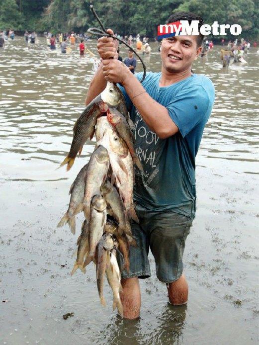PELBAGAI jenis ikan yang diikat bersama tali.