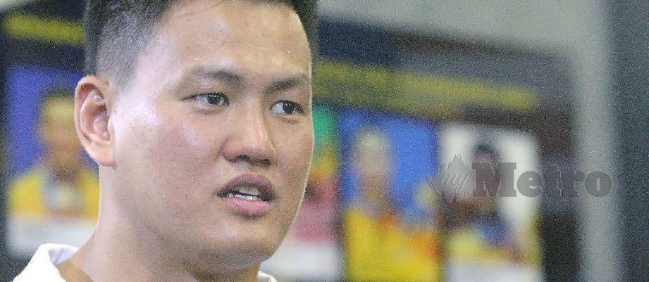 JACKIE Wong pemegang rekod kebangsaan acara baling tukul besi.