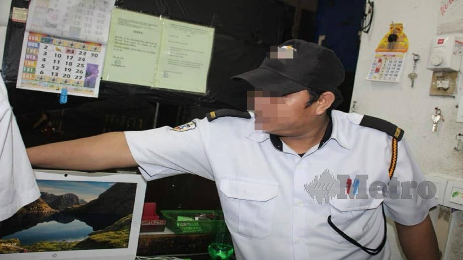 PENGAWAL keselamatan warga Nepal ditahan kerana tidak memiliki dokumen pengenalan diri sah. FOTO IHSAN JIM
