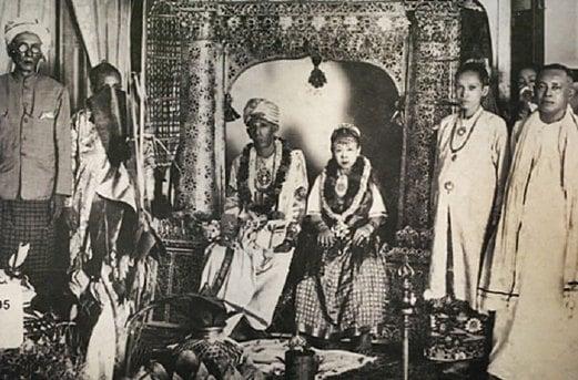 MAJLIS perkahwinan masyarakat Jawi Peranakan.