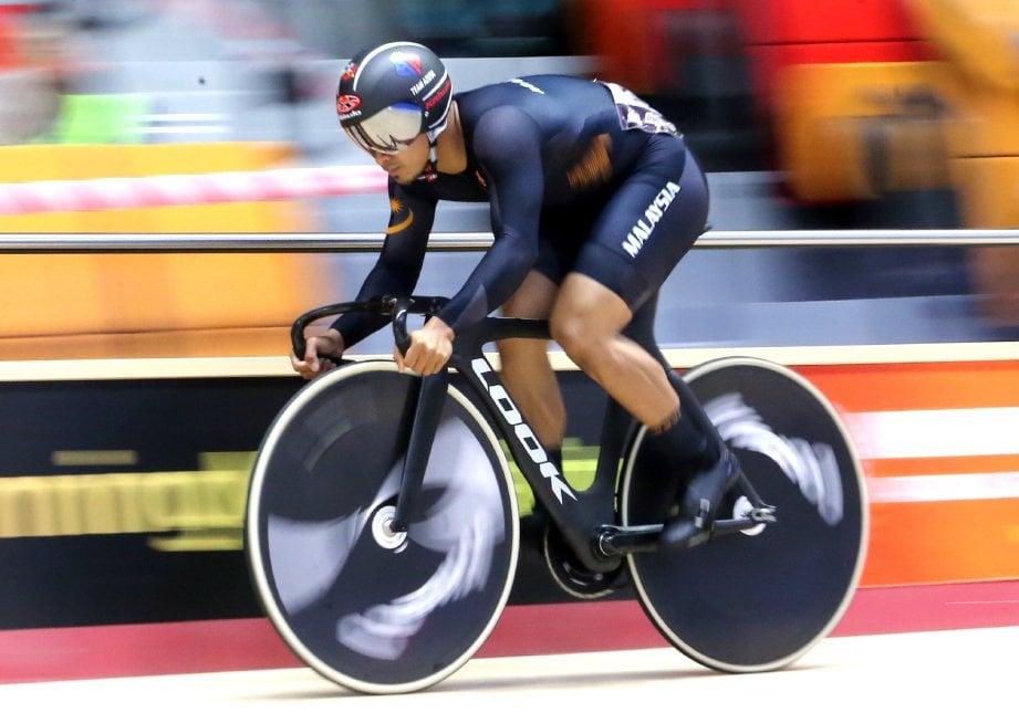 AZIZULHASNI ketika acara Sprint 200m Lelaki Elite di ACC 2018 yang diadakan di Velodrom Nasional Nilai. -Foto EIZAIRI SHAMSUDIN