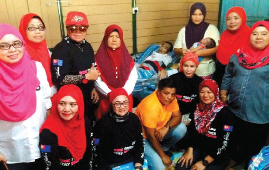 MOHAMAD Noor Shafiee menerima kunjungan Johor Ladies Bikers Club.