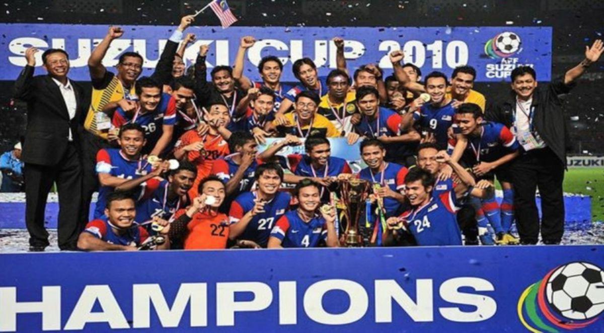 SKUAD negara muncul juara Piala AFF pada 2010.