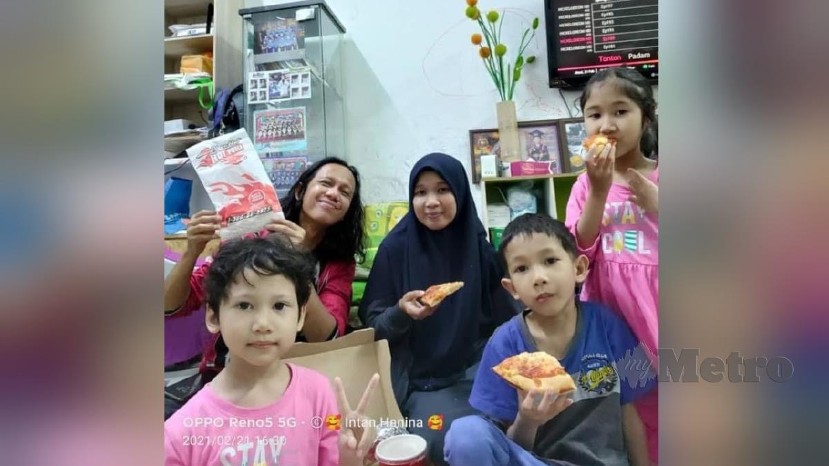 Muhammad Haffiz bersama keluarganya. FOTO ihsan pembaca