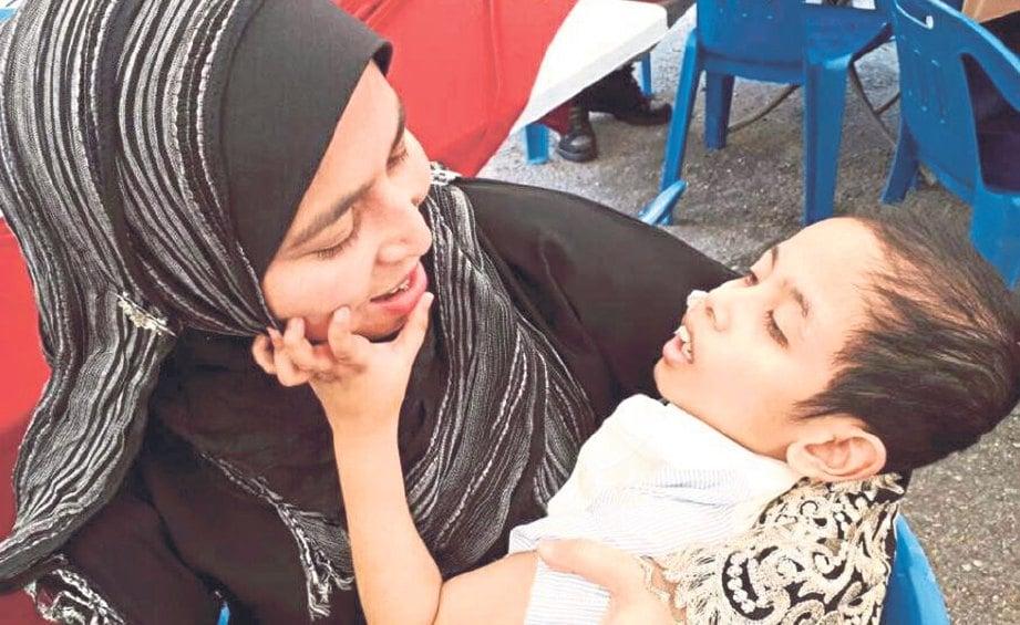 Berkasih Sayang Dengan Anak Yatim