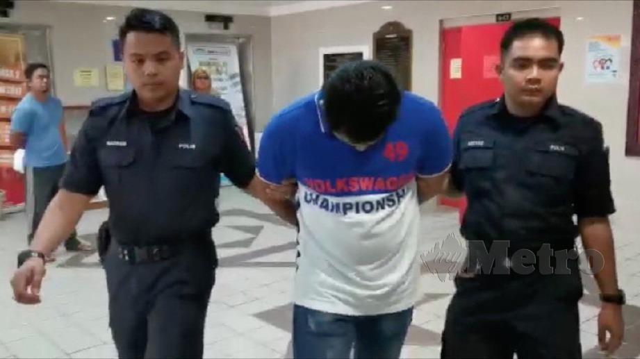 TERTUDUH dijatuhi hukuman penjara lapan tahun dan dua sebatan kerana melakukan serangan seksual terhadap anak saudara perempuannya. FOTO Zatul Iffah Zolkiply