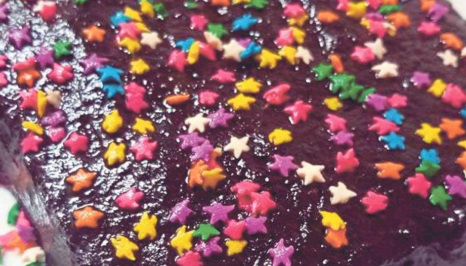 KEK biskut coklat.