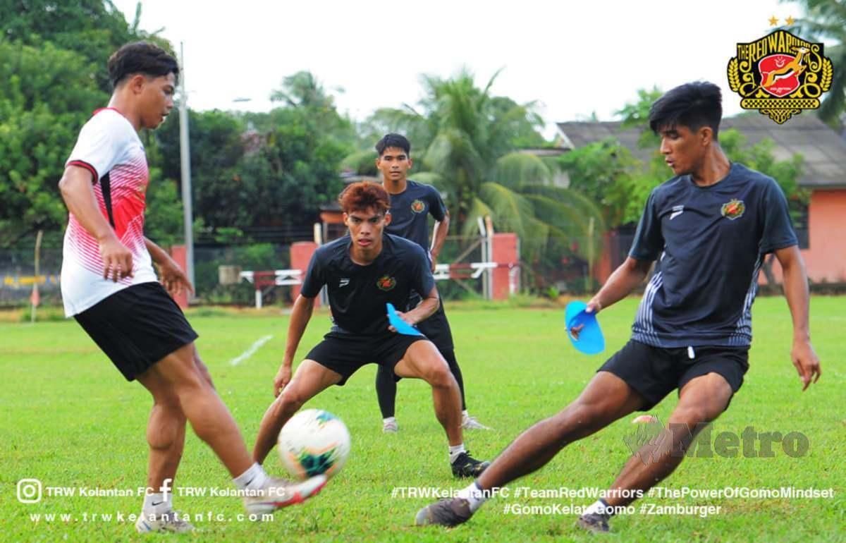 Pemain Kelantan menjalani latihan. FOTO Ihsan TRW Kelantan FC