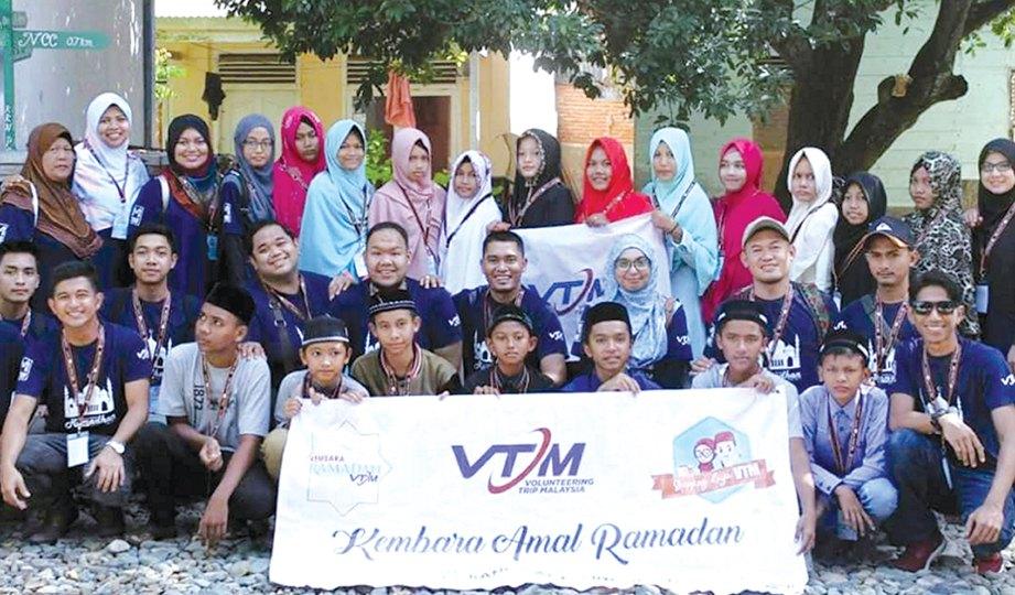 KEMBARA Ramadan Aceh VTM 2017 bersama anak yatim.