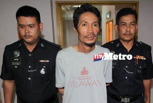 Rosly dihadapkan di Mahkamah Majistret, Johor Bahru, atas tuduhan membunuh pegawai bank. FOTO Mohd Azren Jamaludin