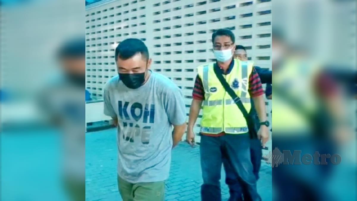 CHEW Chong Teck dihadapkan ke Mahkamah Majistret Kuala Terengganu. FOTO ZATUL IFFAH ZOLKIPLY