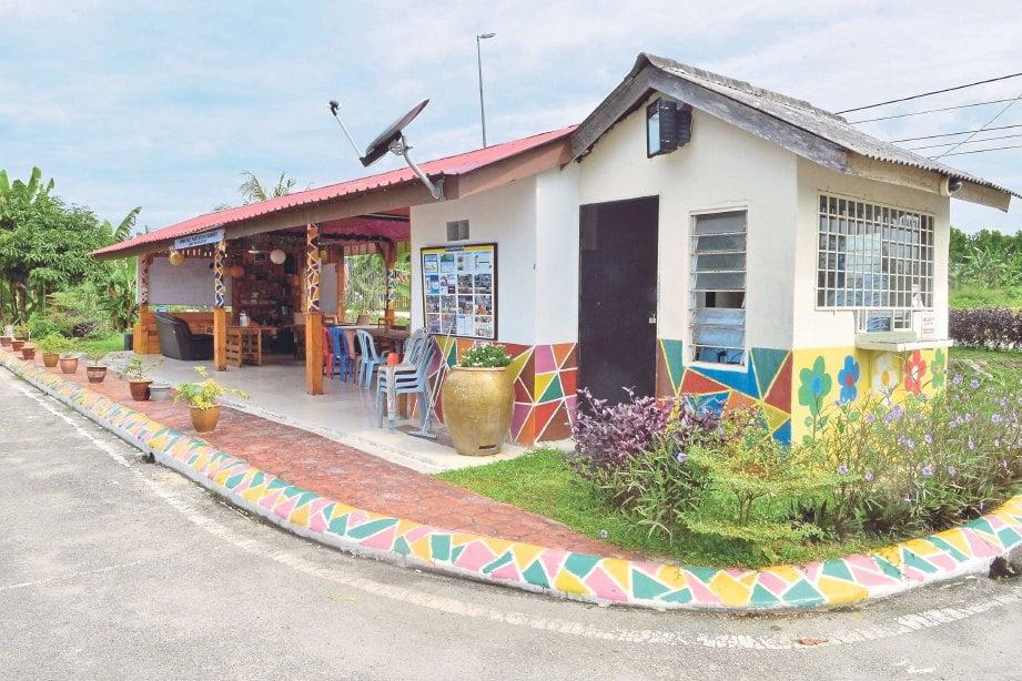 ANTARA hiasan dekorasi taman yang menarik dihasilkan oleh penduduk Taman Tanjung Api-Api.