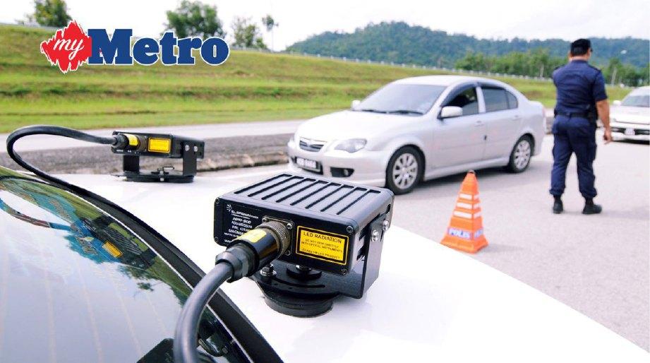 Kamera ICOPS (intelligent compound online payment system) pada  kenderaan peronda yang mampu mengimbas dan mengesan maklumat kenderaan melalui pengkalan data Polis Diraja Malaysia (PDRM) untuk memeriksa rekod kesalahan pemandu yang digunakan pada Ops Selamat Peringkat Negeri Perlis di Lebuhraya Changlun-Kuala Perlis. FOTO HAFIZUDIN MOHD SAFAR
