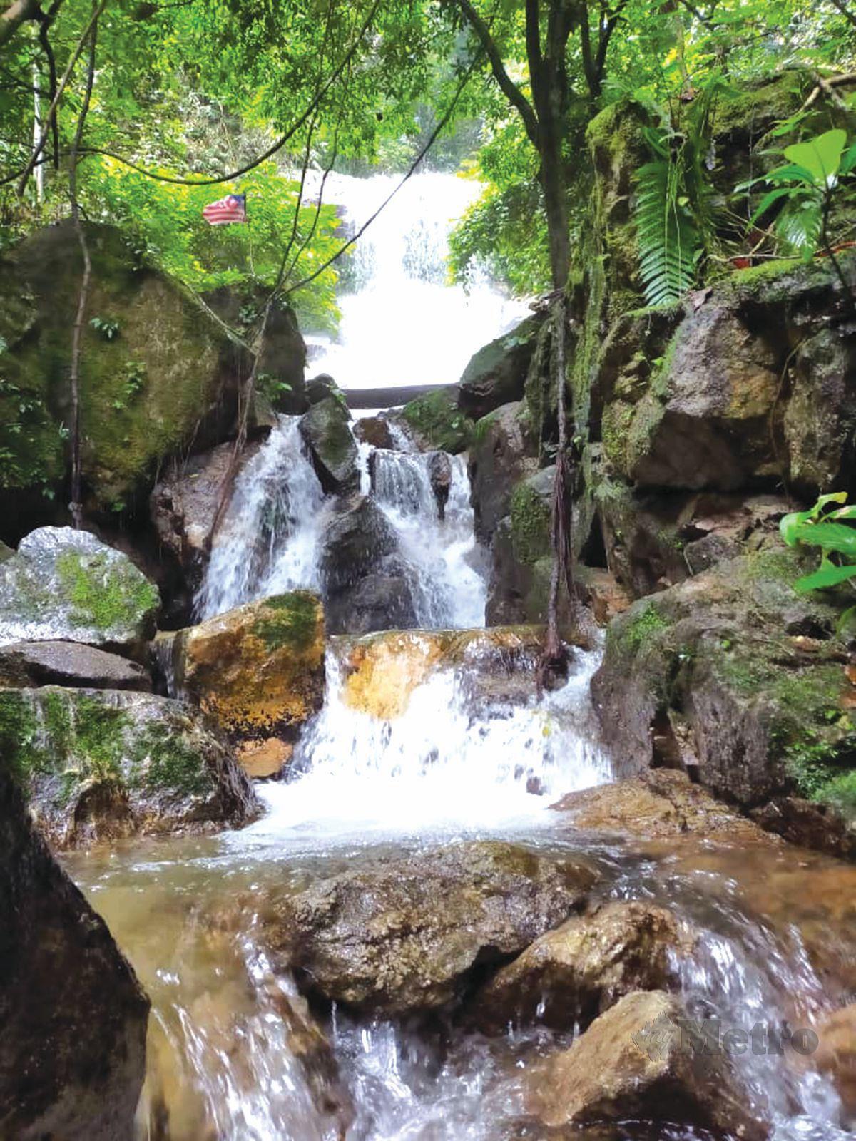 PEMANDANGAN indah di Air Terjun Maya Karin.
