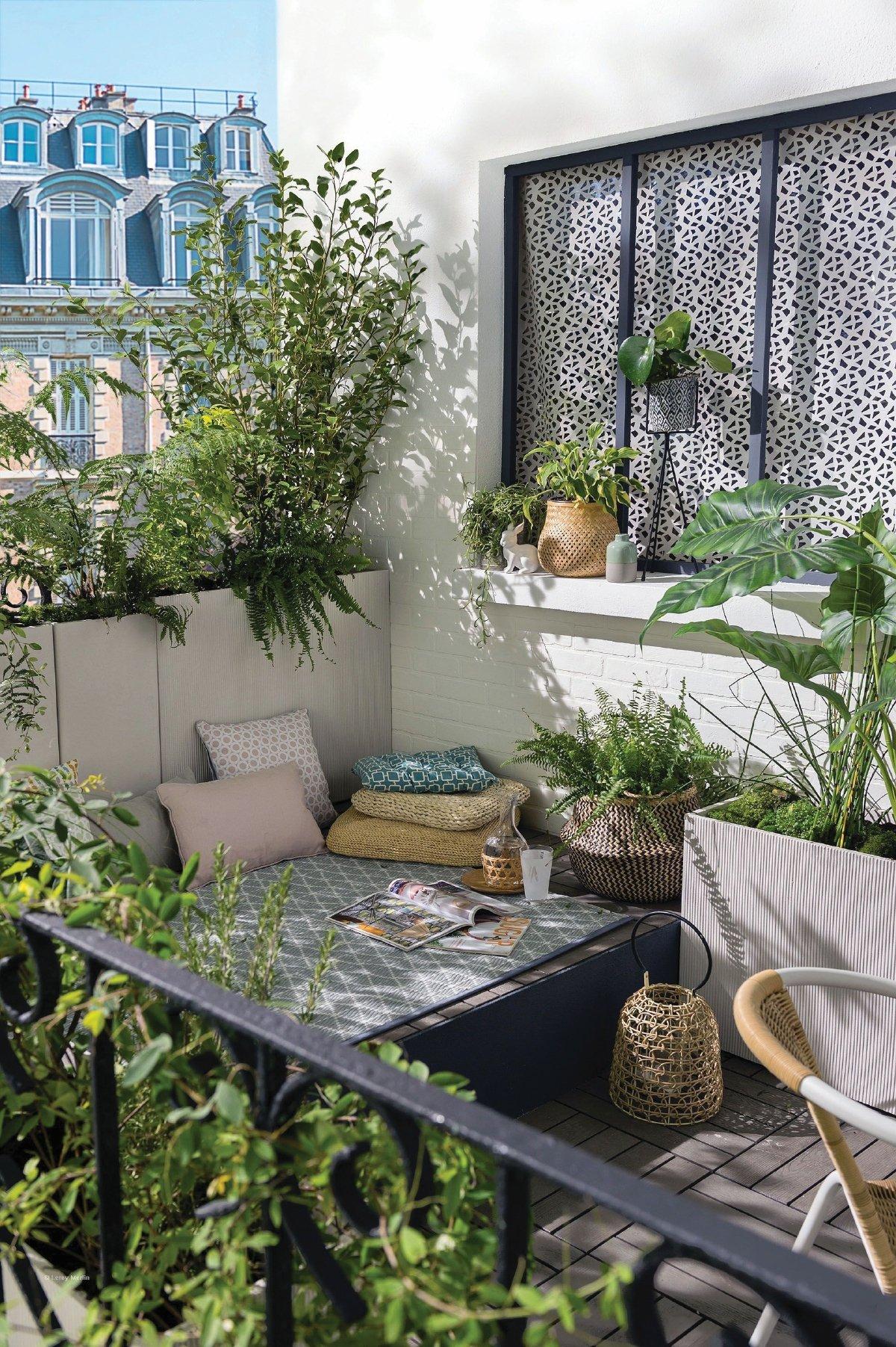 CONTOH taman di balkoni.