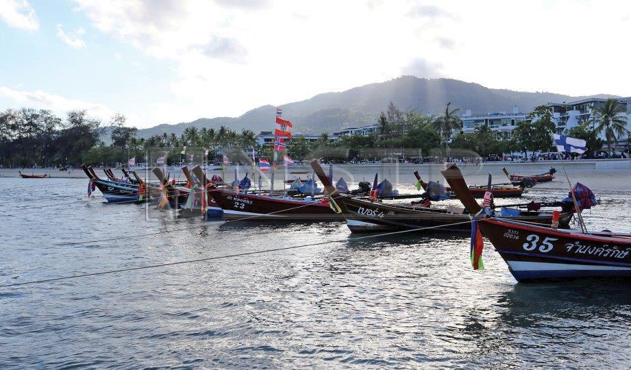 DERETAN bot penumpang menyajikan pemandangan berbeza. FOTO NSTP