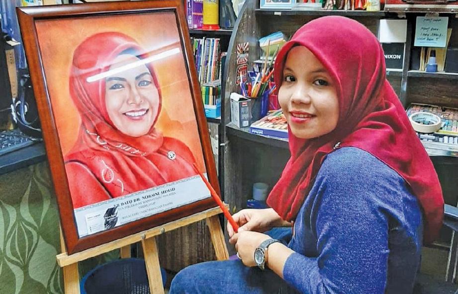 SEJAK bangku sekolah dan seawal usia enam tahun bakat lukis Izatul Aswani sudah dihidu arwah ayahnya