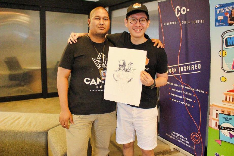 LUQMAN bersama Hubert. FOTO IHSAN PEMBACA