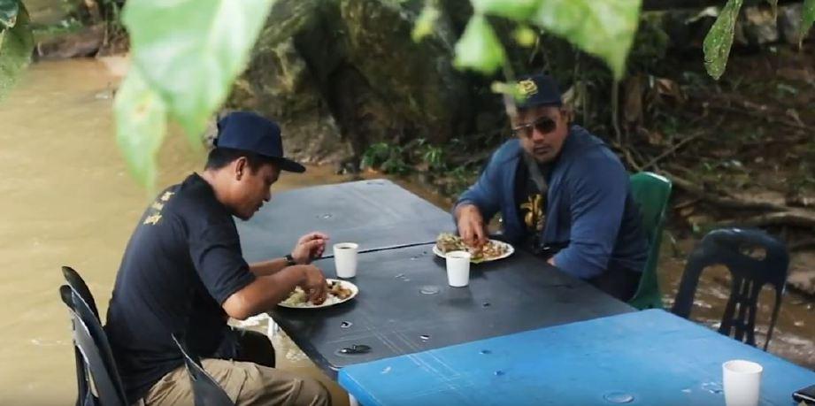 KONSEP makan di sungai antara produk pelancongan disediakan Pak Long. FOTO Halim Salleh