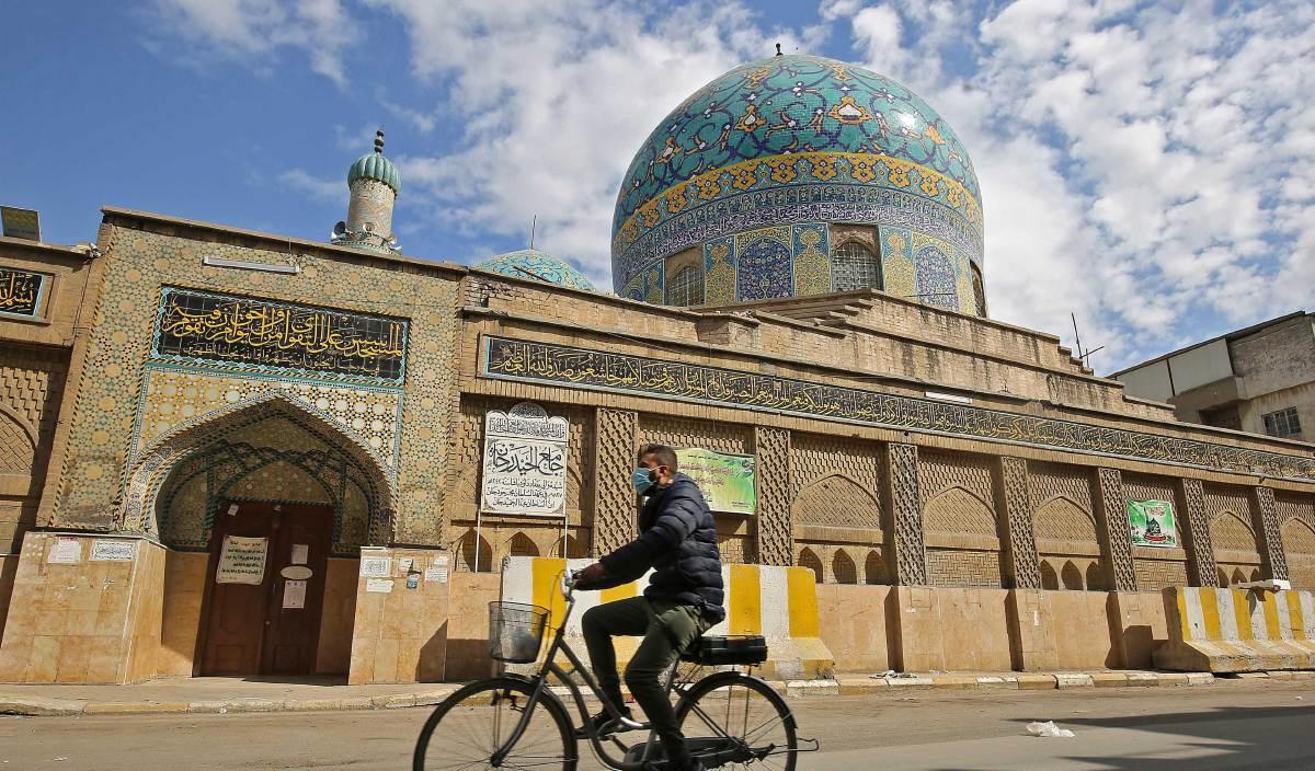 SEBUAH masjid di Baghdad. Imam Ahmad dilahirkan di Baghdad dan meninggal dunia di tempat kelahirannya itu. FOTO AFP