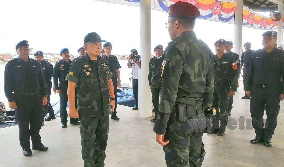 MASTOR mengadakan lawatan kerja di Pengkalan Balai Polis Marin, Kuala Kurau. FOTO Shaiful Shahrin Ahmad Pauzi
