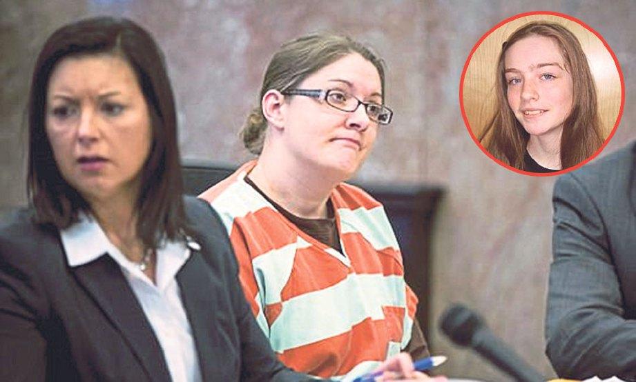 NICOLE di mahkamah sebelum dijatuhkan hukuman. Gambar kecil, Natalie.- Daily Mail