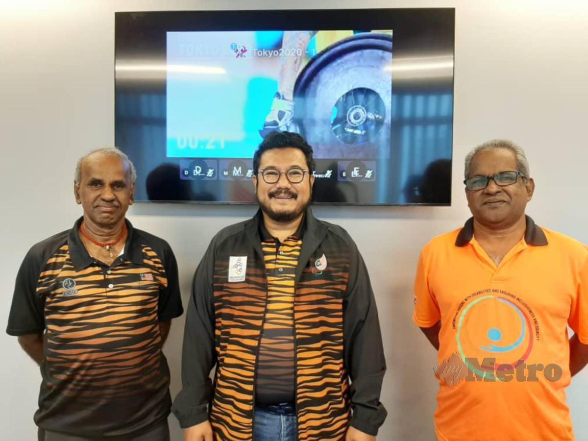 Megat D Shahriman (tengah) menyeru atlet para supaya meningkatkan intensiti latihan. FOTO MPM