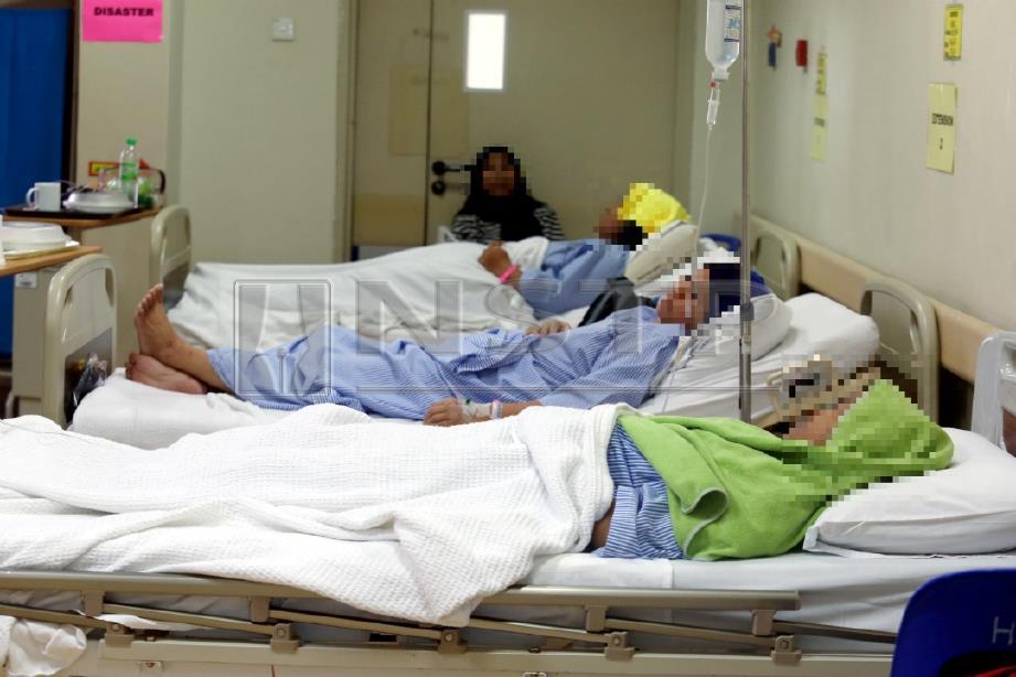 ANTARA mangsa yang menerima rawatan di HSI. FOTO Hairul Anuar Rahim