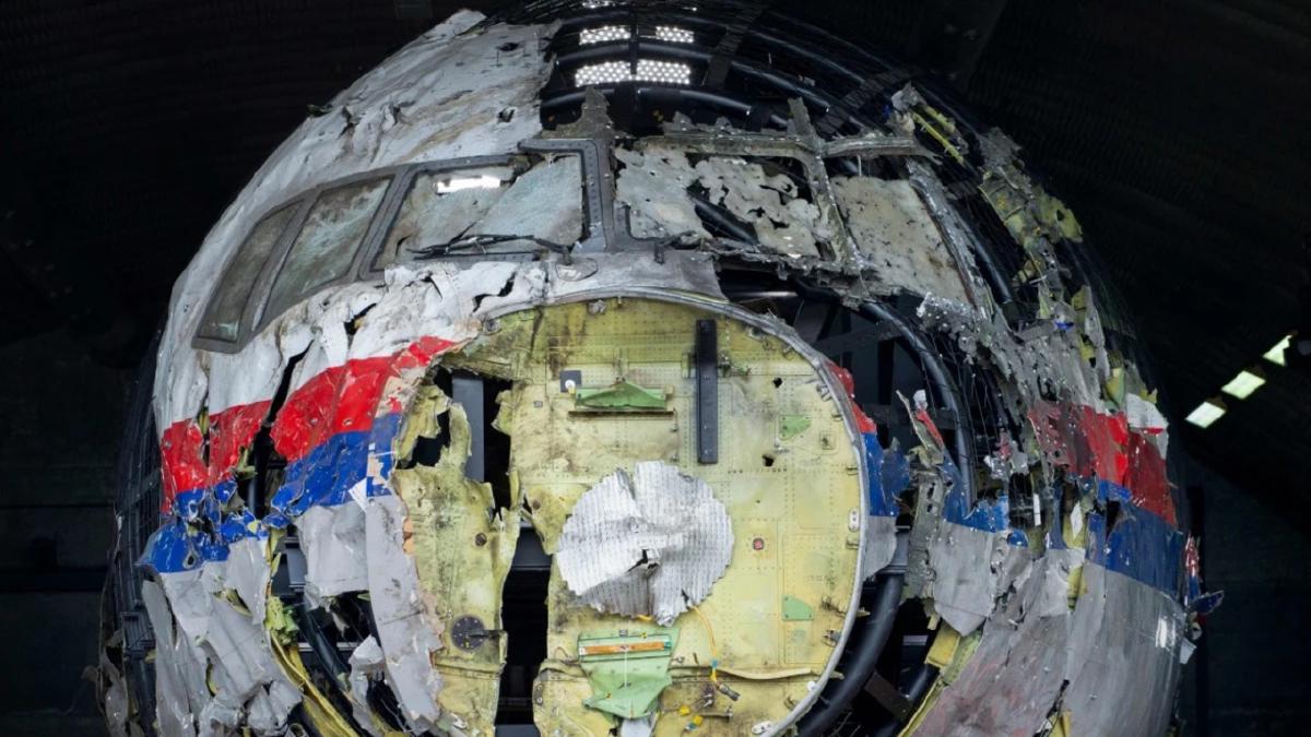 BANGKAI pesawat MH17. FOTO AFP