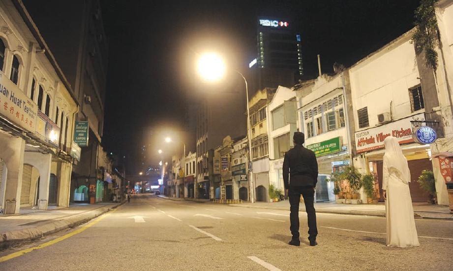 TEKNIK CGI digunakan untuk 'menghilangkan' orang ramai di tengah-tengah kesibukan Kuala Lumpur.
