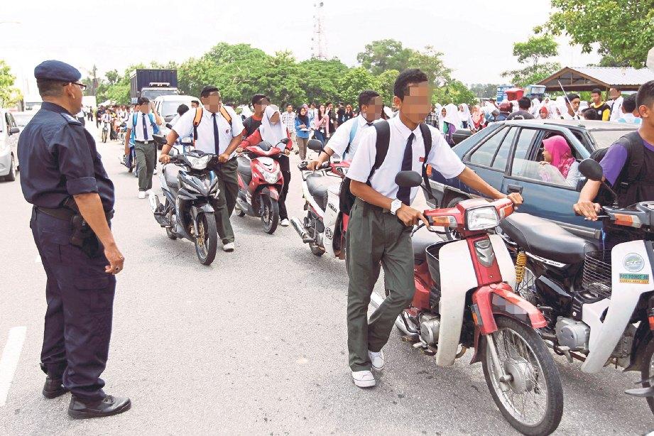 POLIS boleh memantau kawasan sekolah.