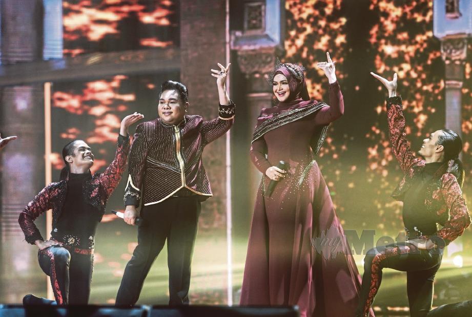 KEJUTAN penampilan Siti Nurhaliza mengujakan semua. FOTO Aswadi Alias