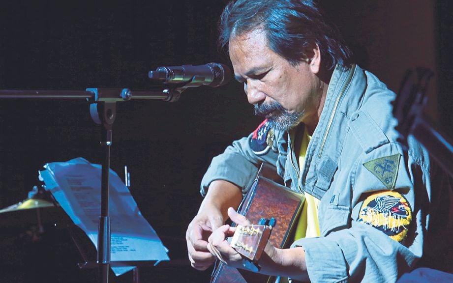 MUZIK folk daripada Bob Dylan dan Crosby, Stills, Nash & Young banyak mempengaruhi muzik M Nasir hingga hari ini.