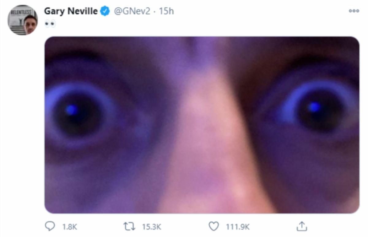 Neville muat naik gambar di Twitter mengejek Liverpool. FOTO Agensi