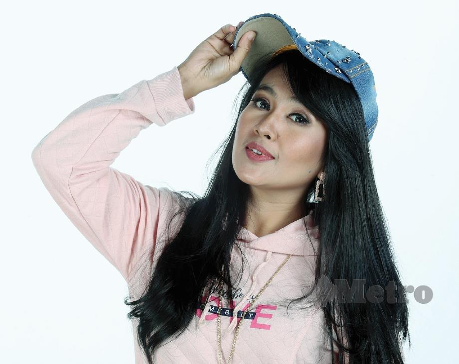NINA Jenny penyanyi dangdut dari Bandung, Indonesia. FOTO Rohanis Shukri