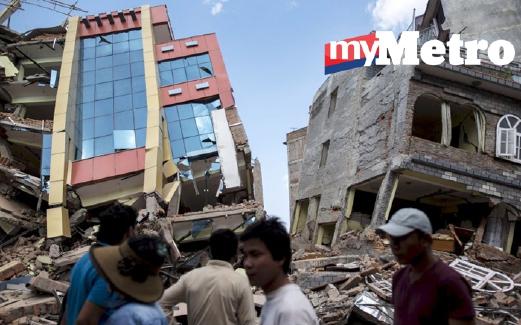 BANGUNAN yang rosak di Nepal. - Foto Reuters