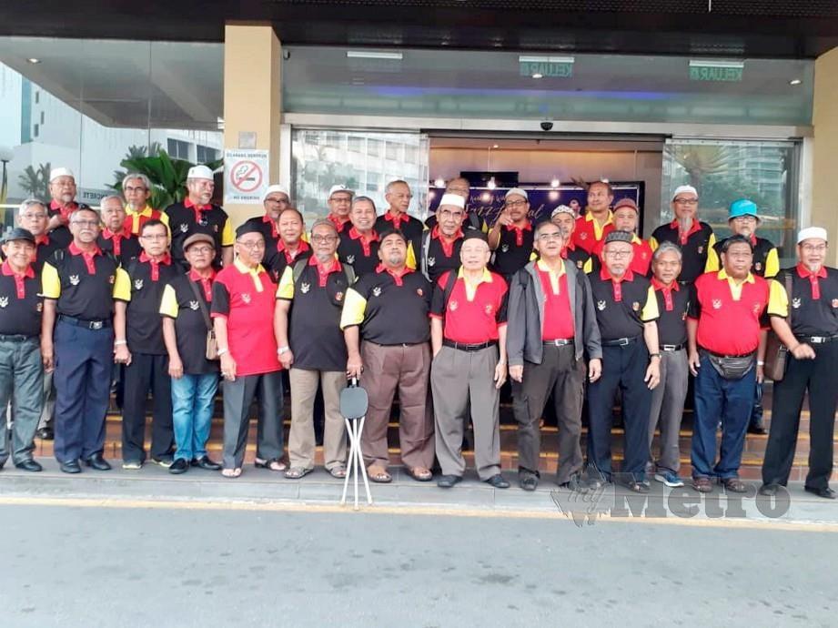 Pertemuan semula 30 bekas guru lelaki Bahasa Melayu dari semenanjung. FOTO Ihsan Zainal Rahim
