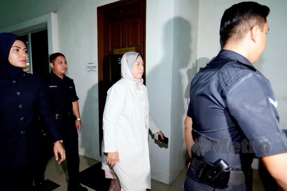 Zuraida hadir ke mahkamah hari ini untuk mendengar keputusan prosiding inkues kematian Muhammad Adib. FOTO Roslin Mat Tahir