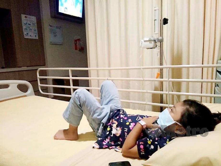 NUR Auni Zulaikha dirawat di hospital. FOTO ihsan Fatimah Zaharah