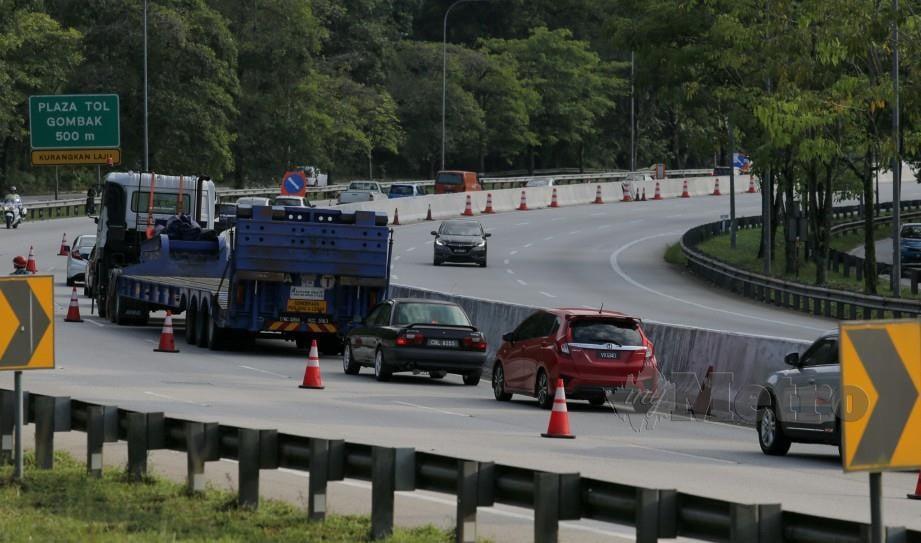 ALIRAN trafik di Lebuhraya Kuala Lumpur - Karak memasuki Kuala Lumpur pada 30 Mei lalu. FOTO Asyraf Hamzah.