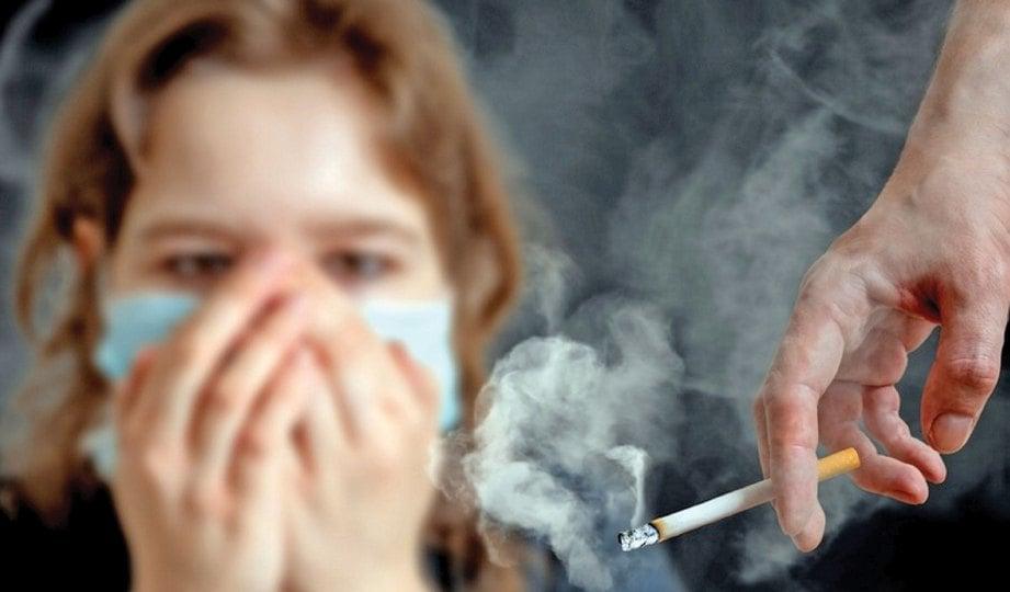 WANITA jadi mangsa perokok aktif.