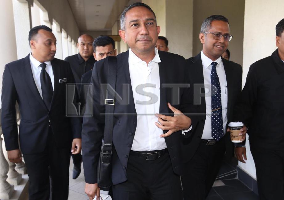 MOHD Hafarizam keluar dari mahkamah. FOTO Mohamad Shahril Badri Saali