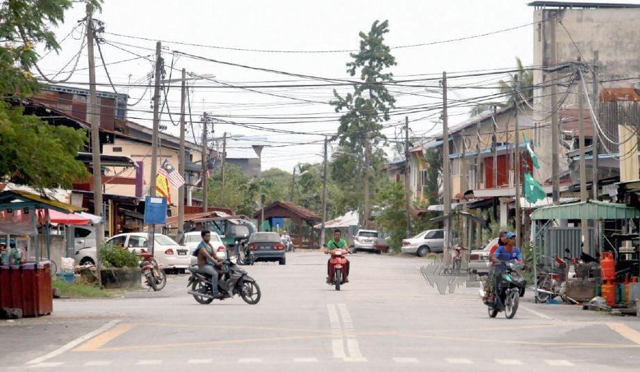 Gambar fail, pekan Sanglang. FOTO NSTP.